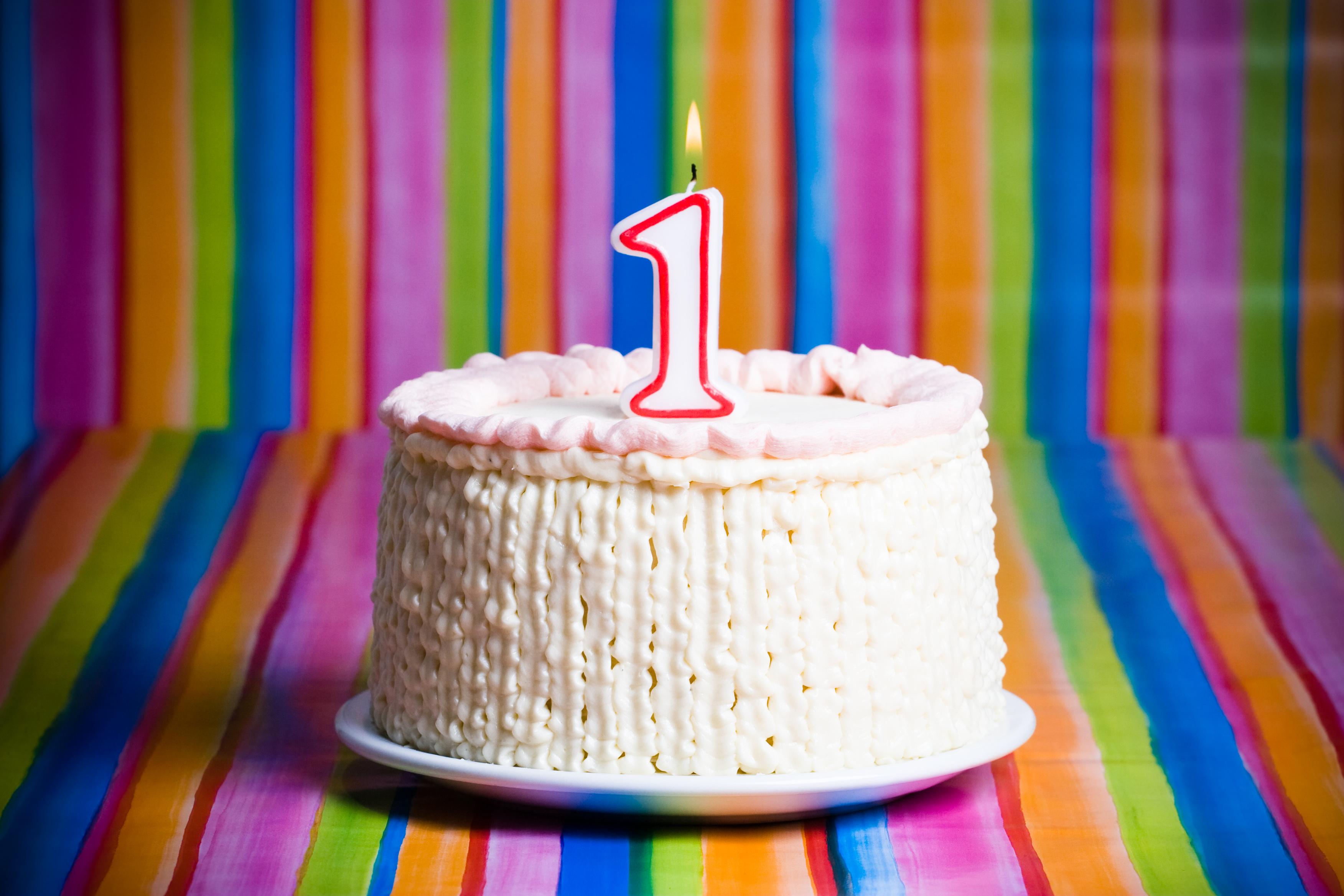 Тортик с одной свечой картинки